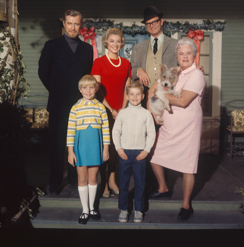 The Ghost & Mrs. Muir cast. Back row: Edward Mulhare, Hope Lange, Charles Nelson Reilly. Front row: Kellie, Harlen Carraher, Scruffy, Reta Shaw. (c) Twentieth Century Fox, provided by Madman Entertainment.