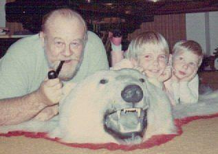 Burl Ives, Kellie, and her nephew Erik (Kellie Flanagan private collection).